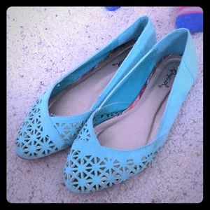 Perforated Turquoise Faux-suede Pointed Flat